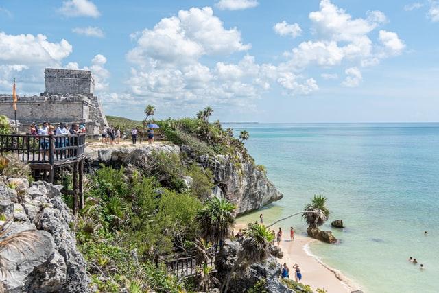 メキシコカンクンにある世界遺産トゥルム遺跡への行き方と魅力について